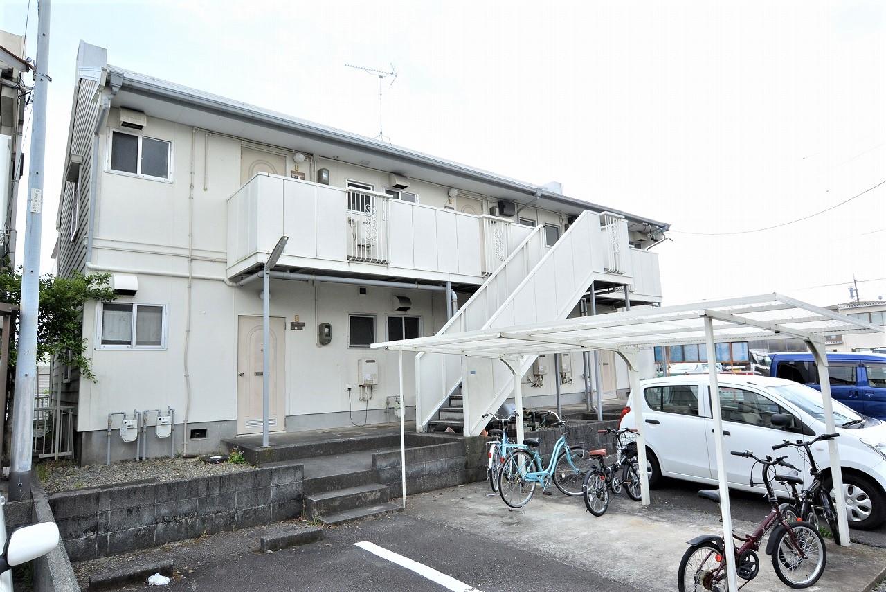 バス停まで徒歩1分圏内★ アピタ静岡店まで徒歩圏内!