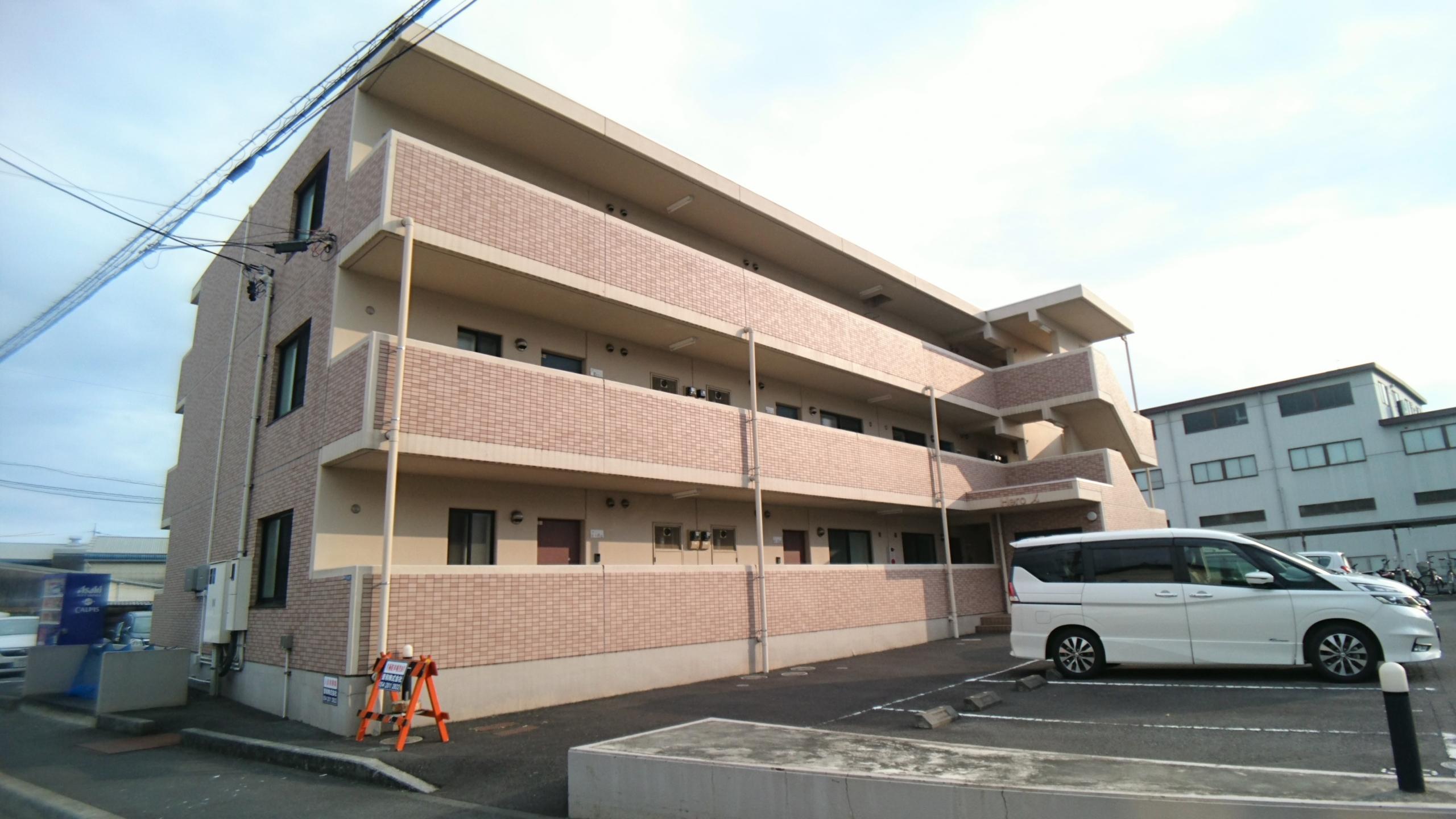 リビングが南に面していて収納もしっかり確保されたお部屋です♪小学校も近いのでファミリーにもオススメです☆